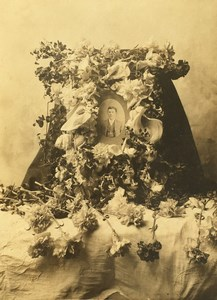 USA? Funeral Flowers Floral Tribute to Deceased Man Old Photo 1900