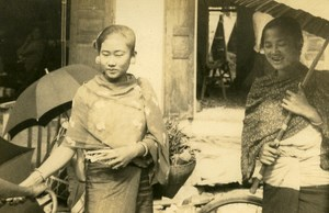 Indochina Laos Luang Prabang Lady Fashion Old Amateur Snapshot Photo 1930