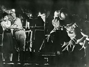 Japon Cinema Ishiro Honda Film Kaiju Eiga Rodan Ancienne Photo 1956