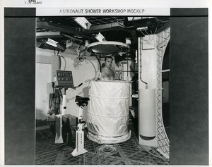 USA Houston Space Rocket Skylab Astronaut Training Shower old Photo Nasa 1972
