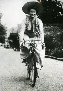 United Kingdom Film Actress Katharine Hepburn Bicycle Cinema Old Photo 1951