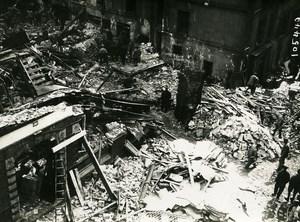 Paris Street Dunes WWI Aerial Raid by Aircraft Gotha Old Photo Branger 1918