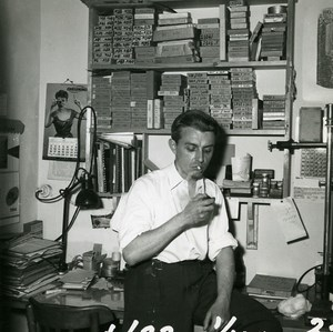 France Paris Photographer André Rossignol in his Workshop Old Photo 1950