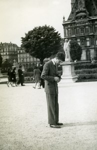 France Paris Young Amateur Photographer and Camera Old Snapshot Photo 1947