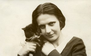France Roubaix Lady and her Cat Old Victor Vajda Photo 1930