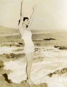 Jean Parker on a Hollywood beach MGM Photo 1932