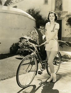 Margaret McConnell fervent supporter of the bicycle MGM Photo 1932