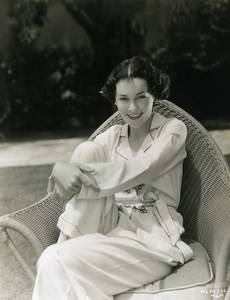 Maureen O'Sullivan in the garden of his house MGM Photo 1932