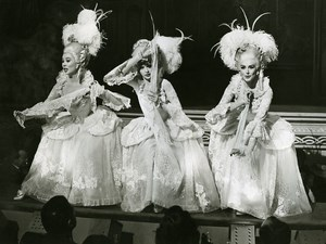 France MGM Musical Les Girls Mitzi Gaynor Taina Elg Kay Kendall Old Photo 1957
