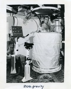 USA NASA Skylab Space Station Zero Gravity Shower Old Photo 1973