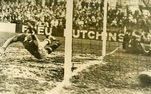 France Saint Ouen Soccer Football Match Montpellier 4 Red Star 3 Old Photo 1947