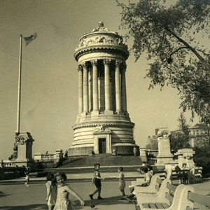 USA New York Soldiers' and Sailors' Monument Children playing Old Photo 1936