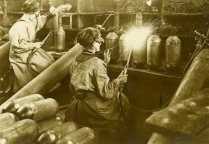 France Women Workers Bomb Factory WWI First World War Army Old Photo SPA 1918