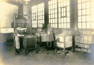 Germany Essen Krupp Dental Steel Factory Workshop Beizraum Old Photo 1930