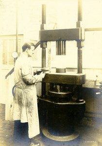 Germany Essen Krupp Dental Steel Factory Workshop Hydraulic Press Old Photo 1930