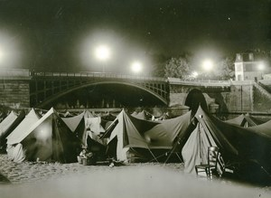 France Paris Bridge Sully Abbé Pierre Homeless Families Old Photo 1955