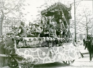 France Paris Foire du Trone Float Parade Musicians Old Photo 1924