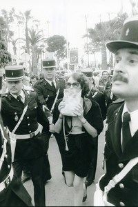 France Cannes Actress Isabelle Adjani & Gendarmes Film Cinema Old Photo 1983