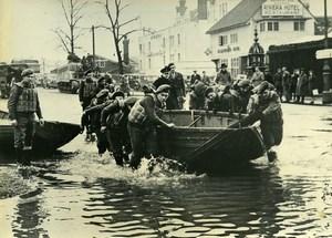 United Kingdom Berkshire Maindenhead Floods Army Help Old Press Photo 1947