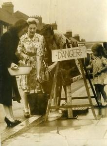 United Kingdom London Wealdstone Floods Danger Sign Old Press Photo 1949
