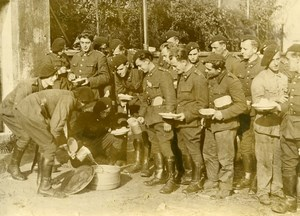 Belgium WWII Meal Time Soup Chasseurs Ardennais Old Press Photo 1939