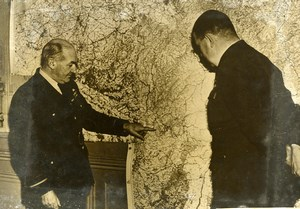 France Reims WWII Air Vice Marshal Playfair Studying Map Old Press Photo 1940