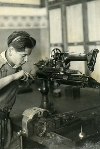 France Paris Business School Apprentice Fixing Sewing Machine Press Photo 1944