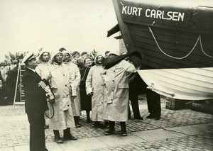 Netherlands Hoerdwick Captain Kurt Carlsen Life Raft Christening Old Photo 1953