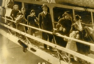 United Kingdom WWII Belgian Refugees arriving in England Old Photo 1939
