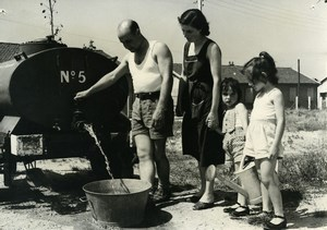 France Fontenay le Fleury Family Heat Wave Water Rationing Old Photo 1957
