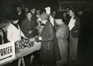 France Paris Gare Saint Lazare Food-distribution Rationing Bread Old Photo 1941