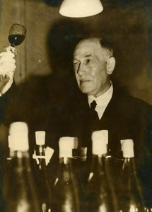 United Kingdom Keith Mackenzie examining a Burgundy wine Old Photo 1949