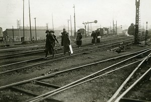France Paris Train Railway Strike Passengers on Tracks Old Photo Trampus 1920