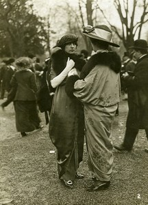 France Lonchamps Fashion at the Races Elegant Ladies Old Photo Calavas 1913
