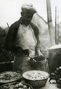 France WWII Cook Preparing couscous in Moroccan Tirailleurs Old Photo 1939