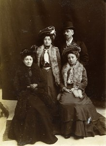 Daily Life in France Family Group Portrait Old Amateur Photo 1900