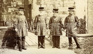 Gardiens de la Tour de Londres Yeomen Warders Beefeaters ancienne Photo 1880