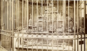 Royaume Uni Londres les Bijoux de la Couronne Crown Jewels ancienne Photo 1880