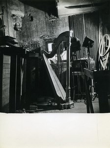 France Paris Coulisses Ambigu Comique Theatre Disparu Harpe ancienne Photo Bernand 1960