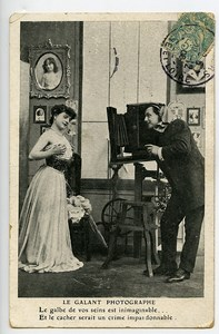 France Risque Postcard the Gallant Photographer Erotica 1900