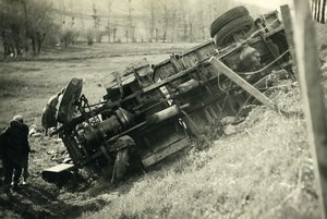 France Memories of a Tow Truck Small Van Wreck Accident Old Photo 1935