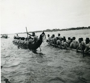 Cambodge Phnom Penh Regate sur le Mekong Pirogue Old Photo 1935