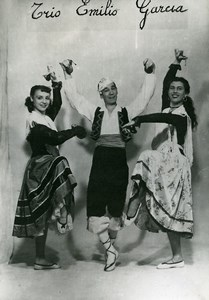 France Music Hall Circus Musician Dancers Trio Emilio Garcia Old Photo 1950