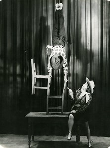 France Music Hall Cirque Artiste Acrobate Lily & Marco ancienne Photo 1950