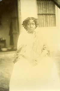 Madagascar Sakalava Woman of Nossy Be Old Photo Ramahandry 1910'