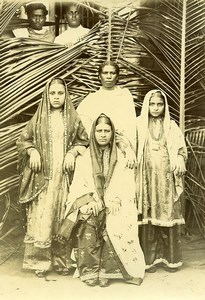 Madagascar Femmes Indiennes Groupe Famille Ancienne Photo Ramahandry 1910'