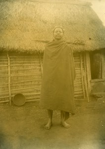 Madagascar Homme de l'Ethnie Bara Maison Ancienne Photo Ramahandry 1910'