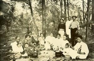 Madagascar repas de famille chez les Betsimisaraka Ancienne Photo Ramahandry 1910'