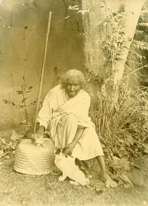 Madagascar Witch & her Cats Old Photo Ramahandry 1910'