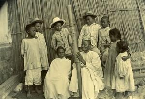 Madagascar Joueur de Valiha Instrument de Musique Ancienne Photo Ramahandry 1910'